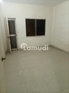 Flat Of 1600  Square Feet For Sale In Tariq Road