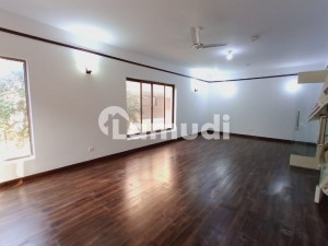 Like Brand New 2 Beds Beautiful Portion For Rent In F8