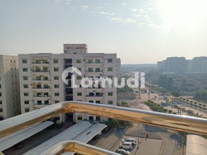 10 Marla Flat With 3 Bed At 3rd Floor For Sale In Askari 11 Lahore With Gas