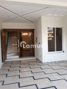 40x80 Luxurious House For Rent In G13 Islamabad
