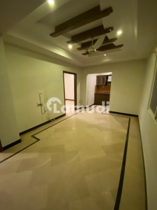 2 Bedroom 800 Square Feet Flat For Sale