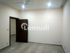F11 333 Square Yard House Available For Rent