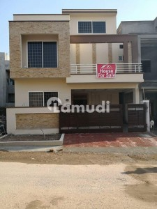 5 Bedroom With Attach Washroom 8 Marla House Size 30x60 For Rent
