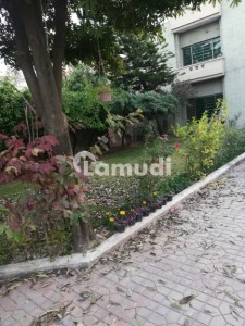 Bharia Town Safri Villa 1 Top Class 1 Kanal House For Rent For More Call Us Any Time