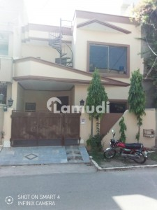 5 Marla Well Maintained House Available For Rent On Top Location Of Wapda Town Lahore