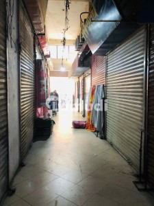 Huge Space Available For Any Outlet In Main Jamia Milia Road