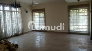 9000  Square Feet House Ideally Situated In DHA