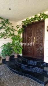 5994  Square Feet House In F-11 For Rent