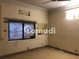10800  Square Feet House In G-6 For Sale