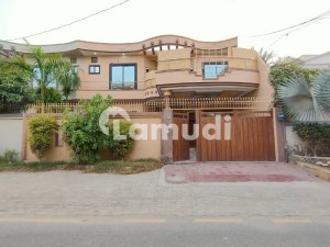 12 Marla Beautiful Upper Portion With 3bedrooms At Hot Location Of Model Town