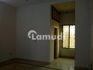 Buy A Centrally Located 1000 Square Feet Flat In F-8