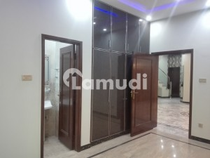 Stunning Upper Portion Is Available For Rent In Gulberg