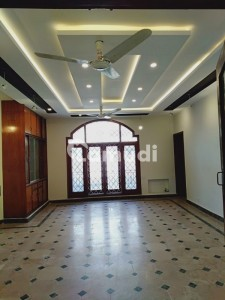 Stunning Upper Portion Is Available For Rent In F-7