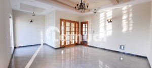 1 Kanal Beautiful House Available For Salebe