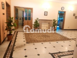 5 Beds Beautiful House For Sale