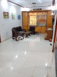 3 Bed Dd 200 Sq Yards Portion For Sale