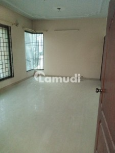 Spacious House Is Available In Gulshan-E-Iqbal Town For Rent