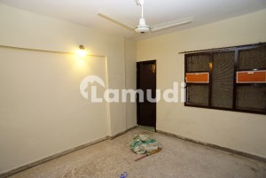 Flat Of 750  Square Feet Is Available For Sale