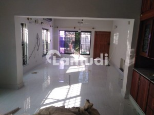 Fully Renovated 6 Bedrooms Double Unit House For Rent