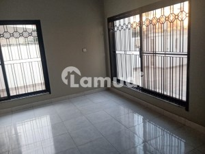 Commercial Bungalow In A Highly Secured Area For Rent