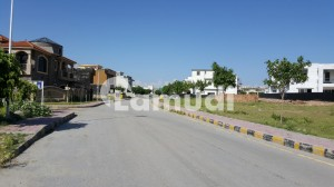 Plot For Sale In Bahria Town Phase 8 Block E