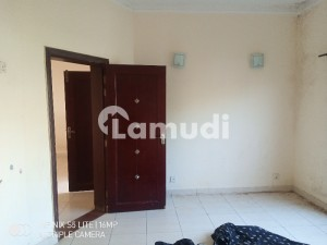 Safrai Home. Single Storey House  Available 2 Bed Room For Rent