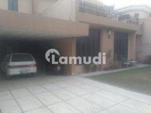 1  Kanal House In Model Town - Block Q - Model Town For Rent At Good Location