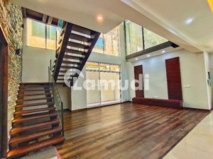 1 Kanal Brand New Designer House For Sale