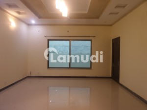 10 Marla Lower Portion In Gulshan Abad For Rent At Good Location