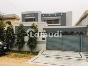 1 Kanal Luxurious Bungalow For Rent At Prime Location