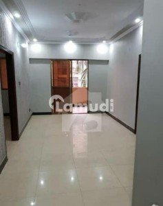 2 Bed Lounge Flat For Sale