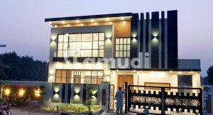 Ideally Located House Of 4500  Square Feet Is Available For Sale In Gujranwala
