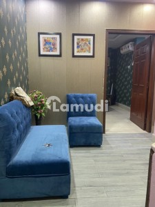 Stunning 350  Square Feet Flat In Johar Town Available