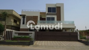 One Kanal Brand New Sun Face House For Sale