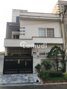 House Is Available For Sale In Canal Garden