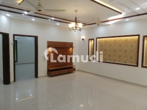 10 MARLA BRAND NEW FIRST ENTRY HOUSE FOR RENT IN OVERSEAS A BLOCK