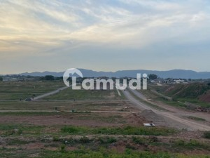 G141 Street No 800 Size 40x80 Front Open Land Clear 150 Feet Road Near To Kashmir Highway  Metro Station