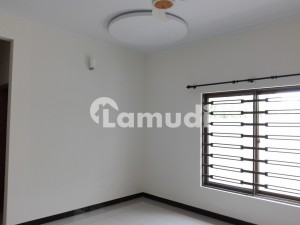 In Korang Town Upper Portion For Rent Sized 7 Marla