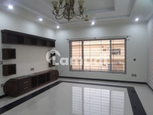 Ideal House Is Available For Rent In Bahria Town Phase 8 - Block E