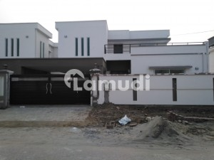 14 Marla House In Gulberg Is Available