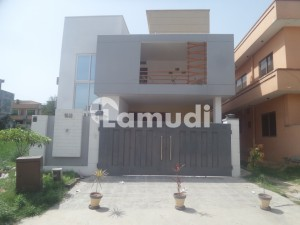 Ideally Located House Of 1800 Square Feet Is Available For Rent In G-15