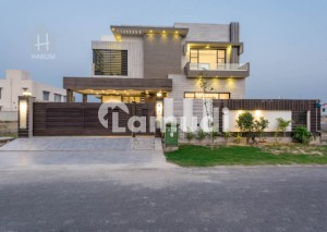 Amazing Price offer for 1 Kanal Villa in DHA Phase 7