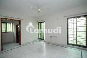 Near Commercial And National Hospital Kanal Bungalow For Rent In DHA Phase 1