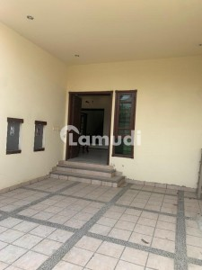 300 Yard Outclass Bungalow For Rent