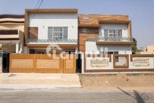 1 Kanal Luxurious Modern Brand New Villa For Sale