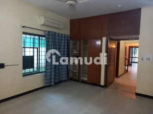3 Bedroom 1 Kanal Full House For Rent