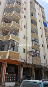 Flat Sized 725  Square Feet Is Available For Sale In Gulistan-E-Jauhar
