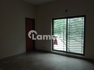 10 Marla House In Izmir Town For Sale At Good Location