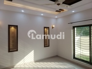 10 Marla Brand New House For Rent At Good Location