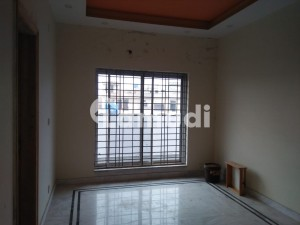 1 Kanal Upper Portion In EME Society For Rent At Good Location